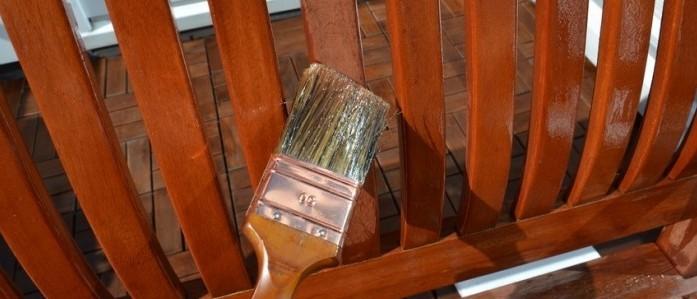 Balkonmöbel wollen eingeölt werden