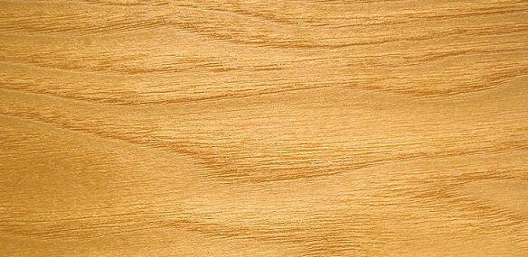 Esche - lebhafte Maserung, cremefarbener Ton