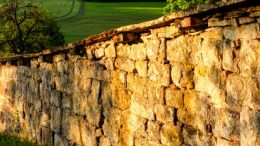 Diese Mauer weiß noch nicht was Mörtel ist