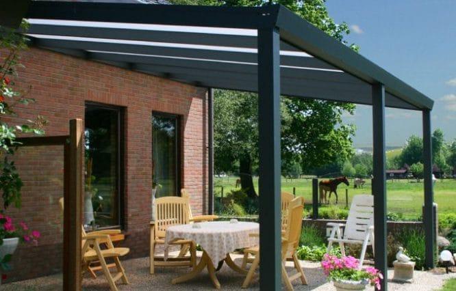 Terrasse überdachen Holzkonstruktion