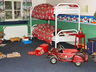 Kinderzimmer streichen in welchen farben heimwerker tipps for Kinderzimmer streichen