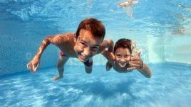 Ein Swimmingpool ist grad für Kinder ein Heidenspaß