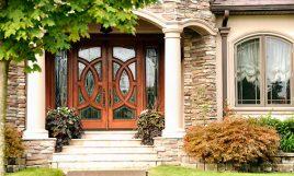 Haustür sicher und wärmeisoliert.
