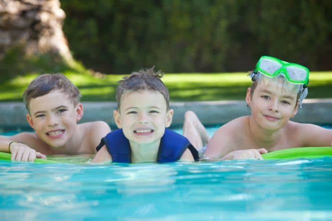 Swimmingpool im garten kinder  Einen eigenen Pool im Garten |