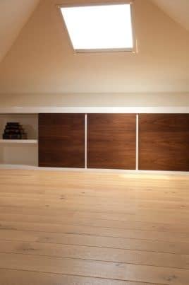 wohn oder schlafzimmer mit dachschr ge heimwerker tipps. Black Bedroom Furniture Sets. Home Design Ideas