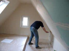 kleine Räume mit Dachschräge machen kreativ