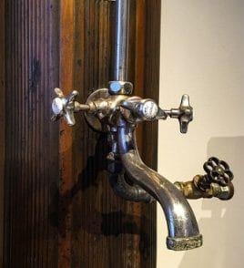 Wasserhahn - auch Zulaufrohre können verstopft sein