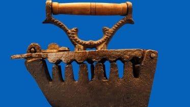Bügeleisen gab es schon in der Antike