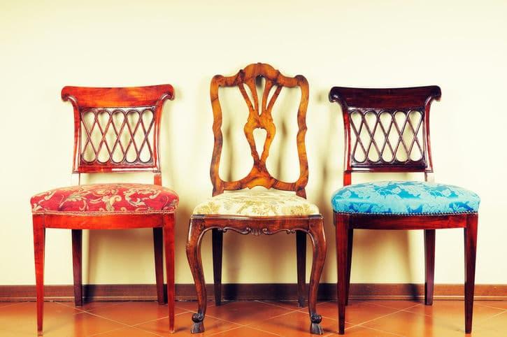 Schicke Stühle durch neuen Stoff