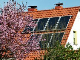 Solaranlage auf dem Dach platziert