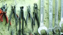 Zangen und Schraubschlüssel