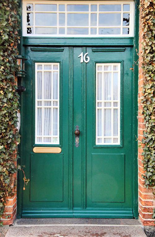 Eine schöne stabile Haustür