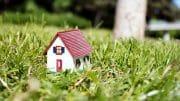 Immobilie mitten im grase Grünen