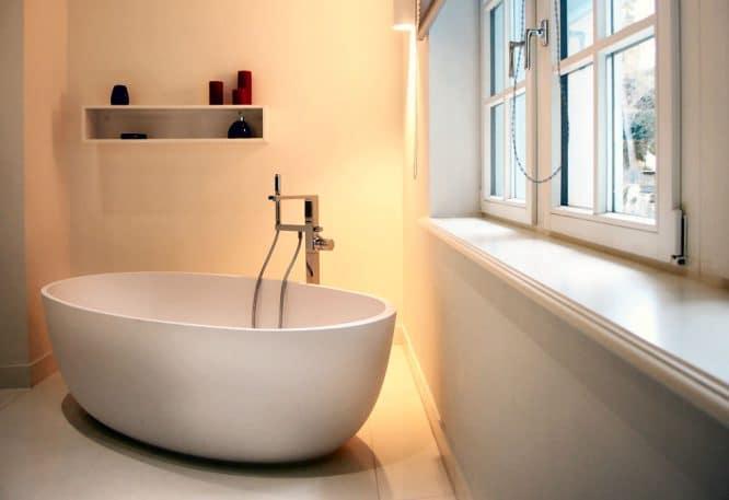 Eine freistehende Badewanne braucht viel Platz, sonst lohnt sich die Anschaffung nicht.