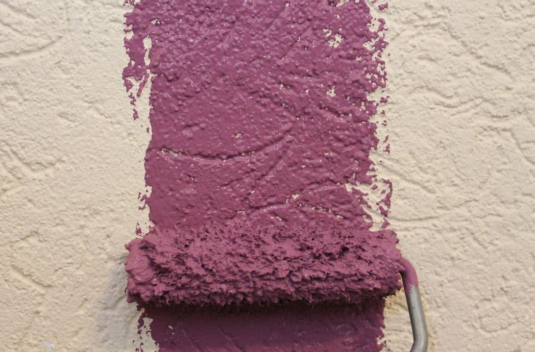 eine wand farbig streichen farbideen heimwerker tipps. Black Bedroom Furniture Sets. Home Design Ideas