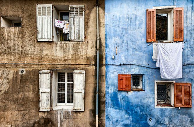 Schön saubere Gebäudefassade - Fassaden Beispiel - Gegenbeispiel