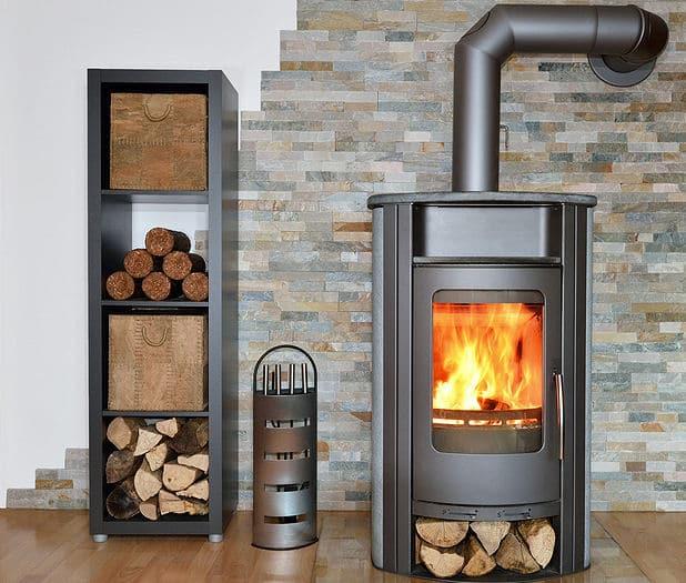 Regeneratives Heizen - Kamin mit Holz befeuert