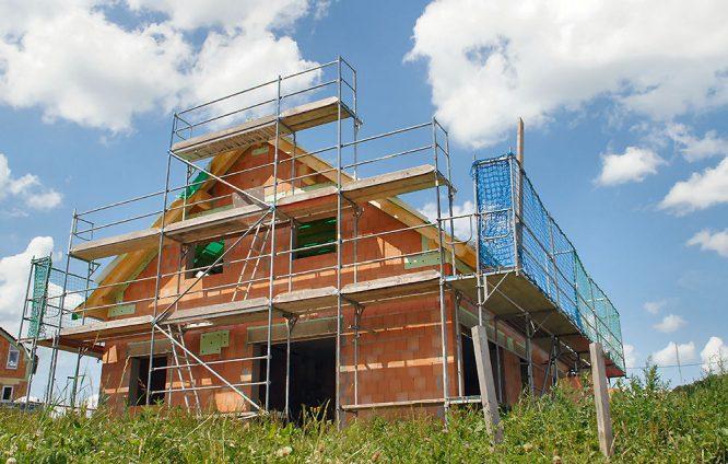 Die Immobilie für die ganze Familie will sorgfältig und langfristig geplant sein.