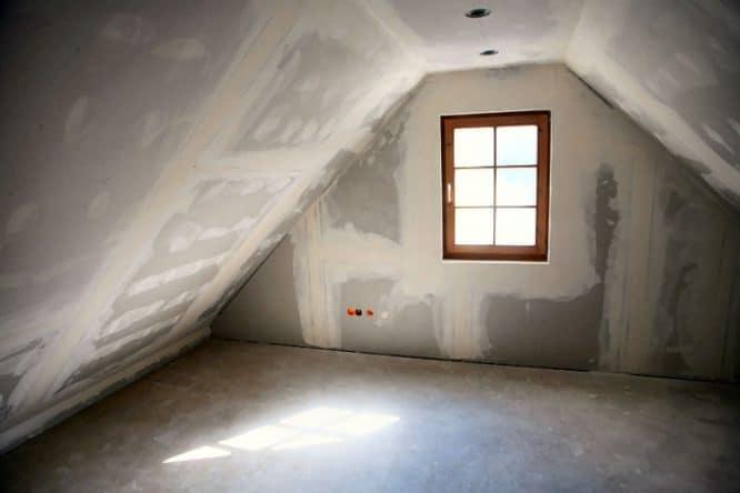 Dachstuhl eines Hauses wieder herrichten