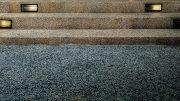 Was ist ein Steinteppich? - hier ein robuster Bodenbelag für eine Treppe.