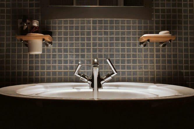 Badezimmer selbst renovieren: Waschbecken