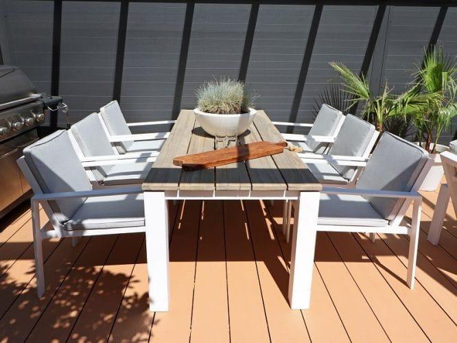 Gartentisch aus Holz mit Öl oder Lasur behandeln?