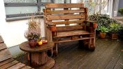 Eine Bank für die Terrasse aus Paletten