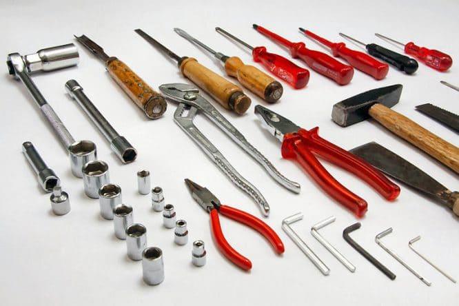 Welches Werkzeug braucht man als angehender Heimwerker auf jeden Fall?