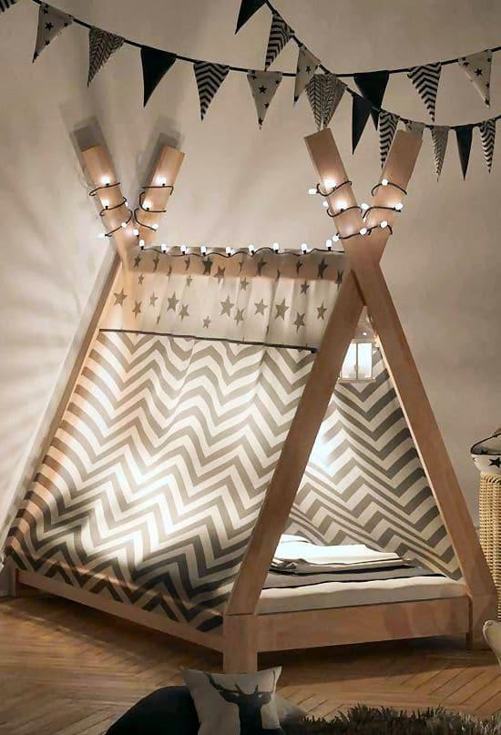 Tipi Bett selbst bauen und zum Schluss die Beleuchtung