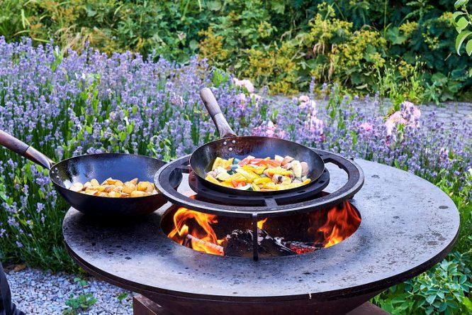 Feuer machen im Garten an einer feuersicheren Stelle!