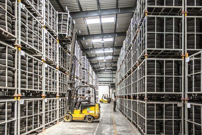 Regale für schwere Lasten - vor allem für Lagerräume