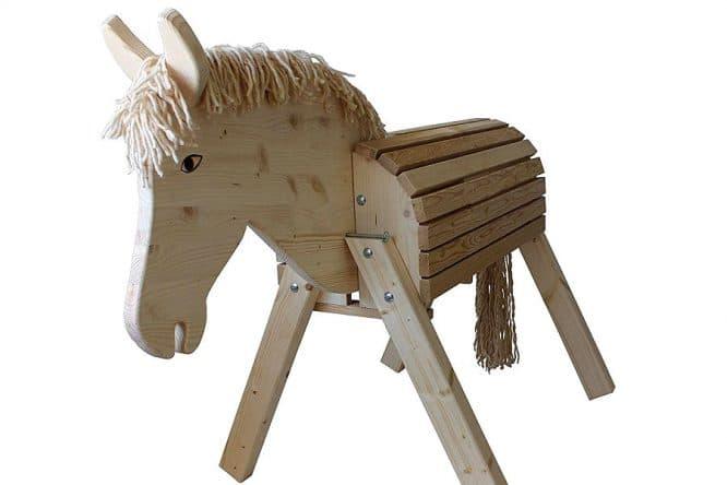 Ein Holzpferd - Volitierpferd - Voltigierbock selber bauen - Ansicht von vorn