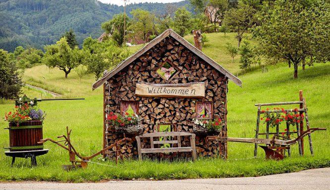 Was kann man aus Holz bauen - kleines Holzhaus für Holz