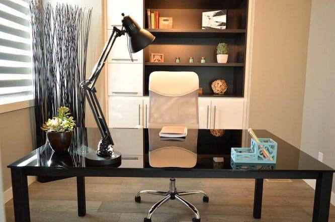 Ein modernes und doch gemütliches Arbeitszimmer