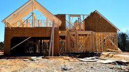 Von der Baugenehmigung bis zur Bauabnahme des neuen Heims gibt es viel zu tun.
