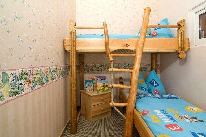 DIY Kinderzimmer Ideen - bewegliche Treppe