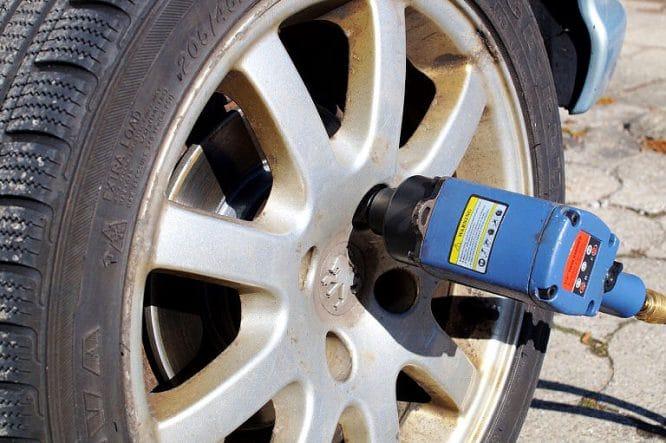 Schlagschrauber - sehr nützlich beim Reifenwechsel