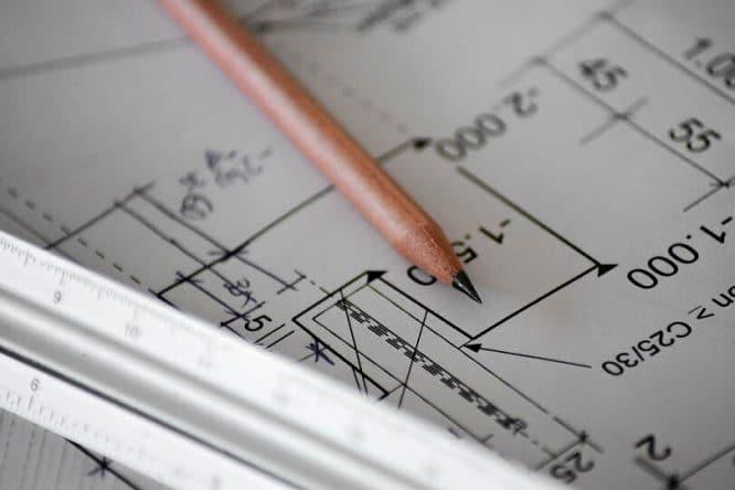Ein bemaßter Grundriss gehört zur Vorbereitung des Hausbaus.