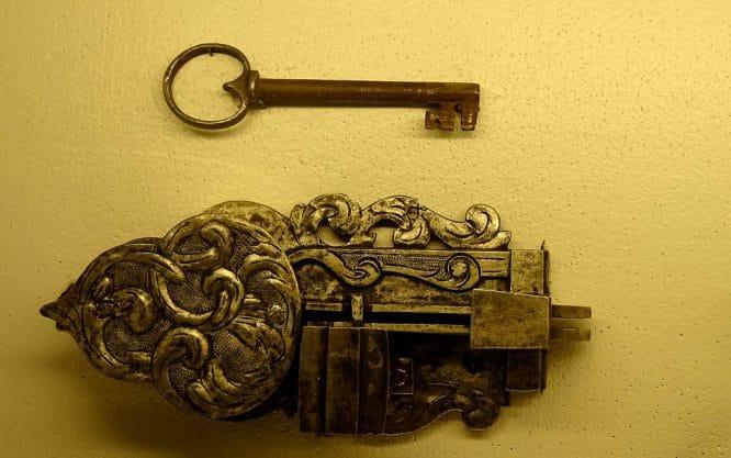 Schloss und Schlüssel - ganz klassisch