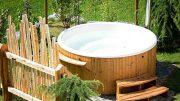 Badefass aus Holz - für Wellness im Garten im Sommer und Winter.
