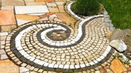 Pflastern im Garten - so dekorativ kann das am Ende aussehen!