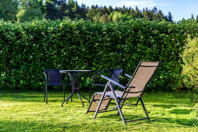 Einen schönen und erholsamen Urlaub zu Hause im eigenen Garten genießen.