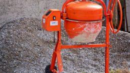 Geräte und Maschinen auf der Baustelle: Der Betonmischer