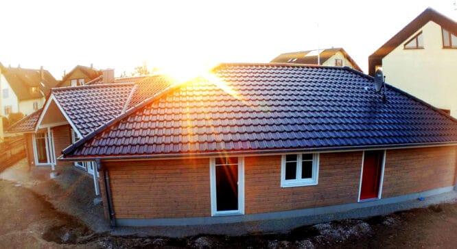 Schritte zum nachhaltigen Wohnraum - mit einem energieeffizienten Haus geht es schon mal gut los.