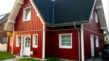 Skandinavisches Haus aus Holz