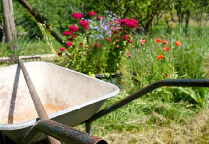 Wer im Garten etwas tun will, braucht normalerweise ein Gartenhaus, praktische Typen von Gartenhäusern eignen sich da am besten, zum Beispiel ein Geräteschuppen.