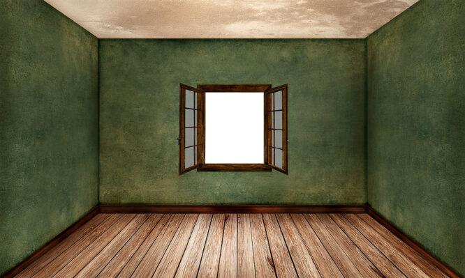 Wenn auch der Boden aus Holz ist, machen die Fenster aus dem selben Material einen besonders guten Eindruck.